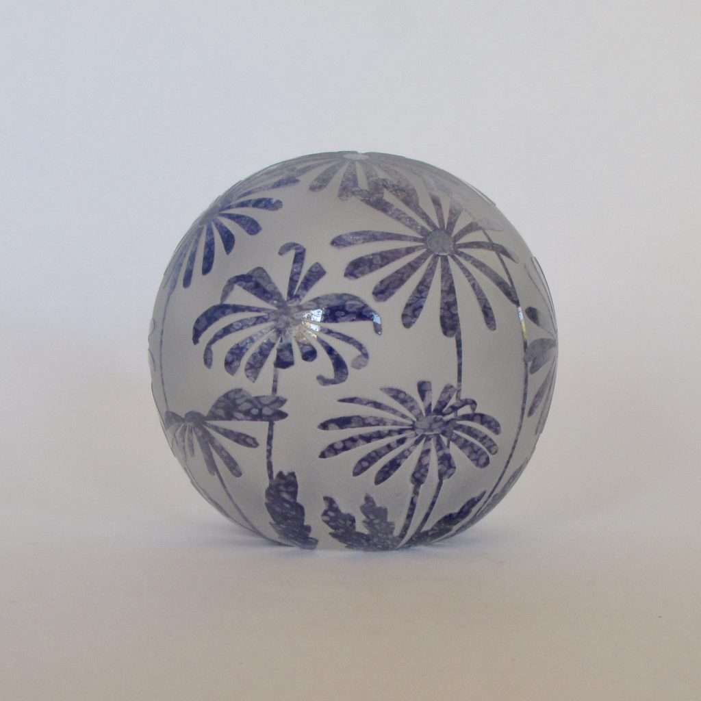 Daisy paperweight