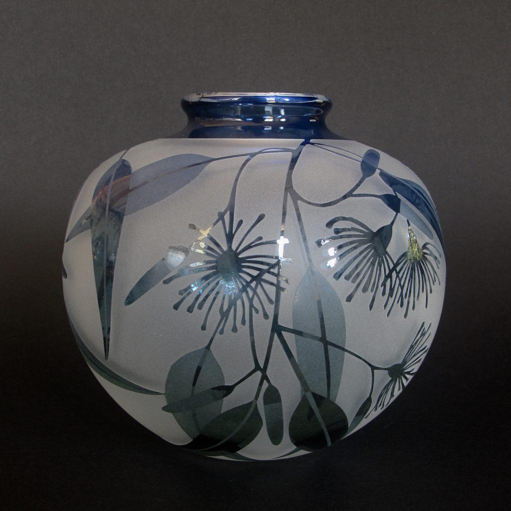 Gum flower vase