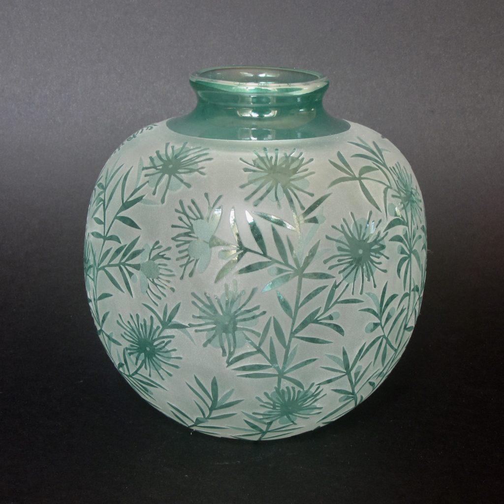 Kunzea ambigua Vase